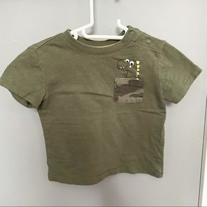 5/$20🤍George t-shirt